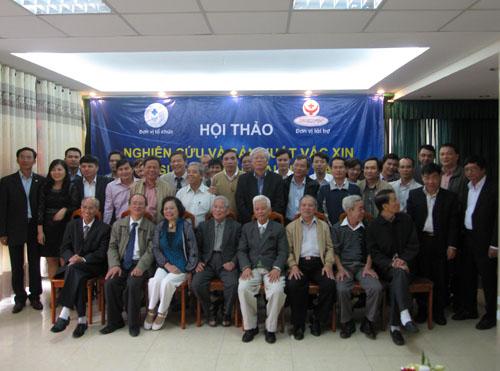 Hôị thảo khoa học: Nghiên cưú, sản xuất vacxin gia súc, gia cầm và thủy sản tại Việt  Nam