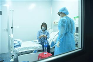 Tất cả người nhiễm virus corona đều được điều trị miễn phí