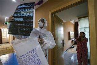 Giới khoa học lo không thể ngăn virus corona lây lan