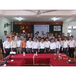 Đại biểu, giảng viên và học viên lớp tập huấn đào tạo kỹ năng mền cho thú y cơ